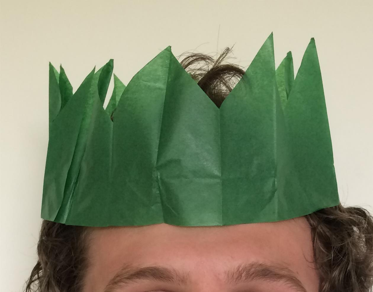 ASSORTED COLOURS 10 x CHRISTMAS PARTY CRACKERS HAT TISSUE PAPER CRACKER HATS
